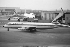16 Convair 880 N8809E Delta