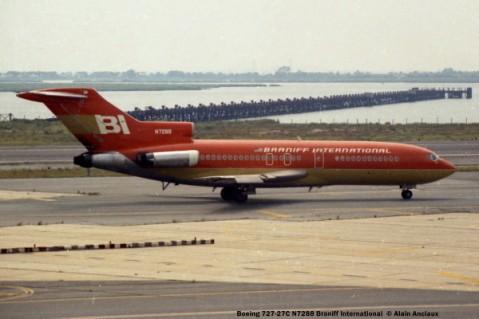 39 Boeing 727-27C N7288 Braniff