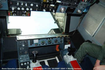 424 Boom Operator position on McDonnell Douglas KC-10A ''83-0080'' USAF © Michel Anciaux
