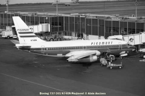44 Boeing 737-201 N746N Piedmont