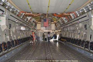 dsc_0085 cargo section of boeing c-17a globemaster iii ''98-0057'' usaf © michel anciaux