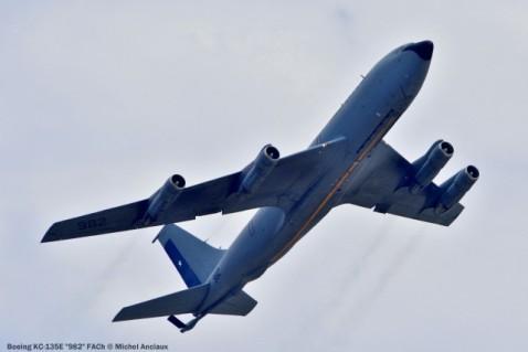 037 Boeing KC-135E ''982'' FACh © Michel Anciaux