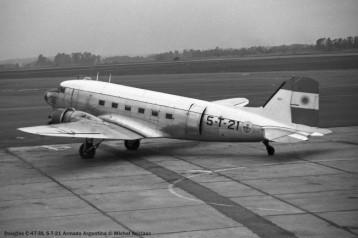 img751 Douglas C-47-DL 5-T-21 Armada Argentina © Michel Anciaux