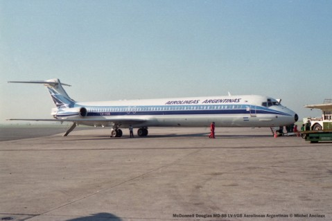 img780 McDonnell Douglas MD-88 LV-VGB Aerolineas Argentinas © Michel Anciaux