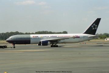 img915 Boeing 767-322(ER) N653UA United © Michel Anciaux