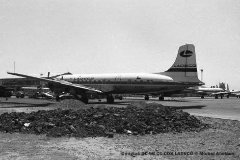 img118 Douglas DC-6B CC-CDK LADECO © Michel Anciaux