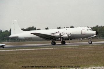 17 Douglas DC-6BF N37614 Miami Air Lease Inc ex CC-CCI © Michel Anciaux