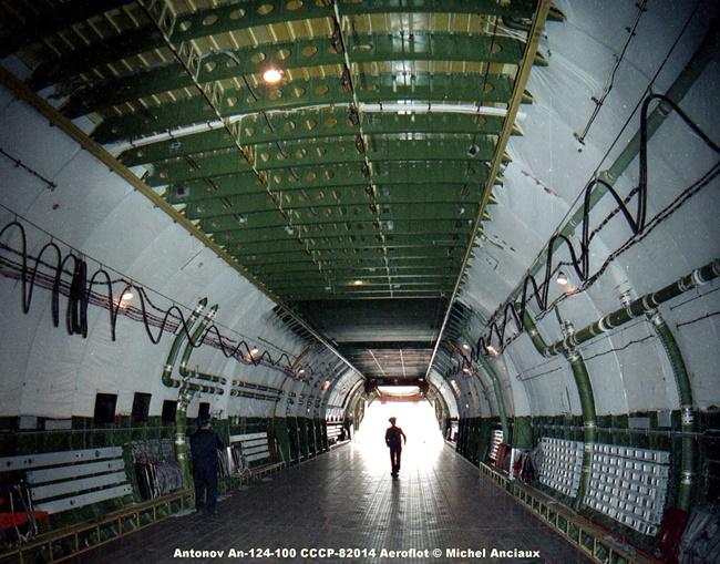 img087 Antonov An-124-100 CCCP-82014 Aeroflot © Michel Anciaux