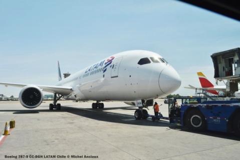 DSC_0440 Boeing 787-9 CC-BGN LATAM Chile © Michel Anciaux