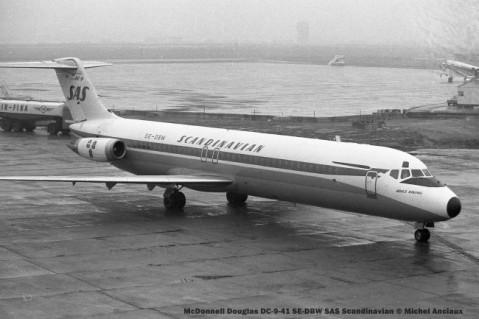 14 McDonnell Douglas DC-9-41 SE-DBW SAS Scandinavian © Michel Anciaux