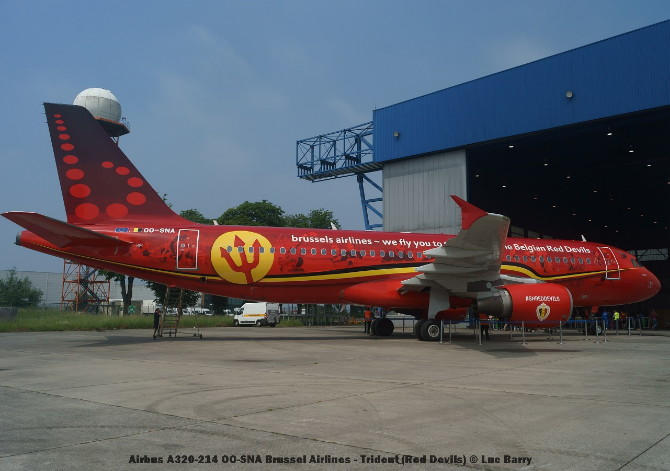 01 Airbus A320-214 OO-SNA Brussel Airlines - Trident (Red Devils) © Luc Barry