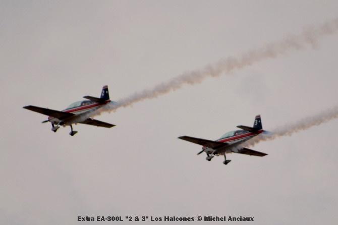 089 Extra EA-300L ''2 & 3'' Los Halcones © Michel Anciaux
