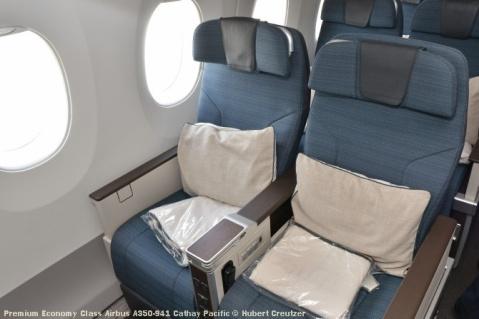 10 Premium Economy Class Airbus A350-941 Cathay Pacific © Hubert Creutzer