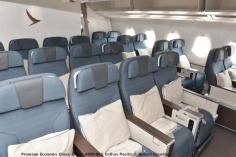 11 Premium Economy Class Airbus A350-941 Cathay Pacific © Hubert Creutzer