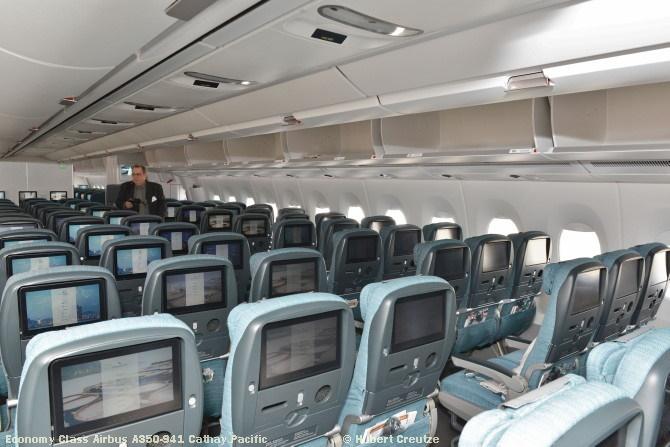 16 Economy Airbus A350-941 Cathay Pacific © Hubert Creutze