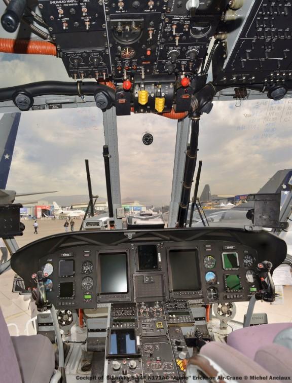DSC_0096 Cockpit of Sikorsky S-64F N171AC ''Annie'' Erickson Air-Crane © Michel Anciaux