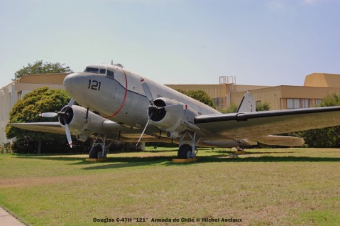 003 Douglas C-47H ''121'' Armada de Chile © Michel Anciaux