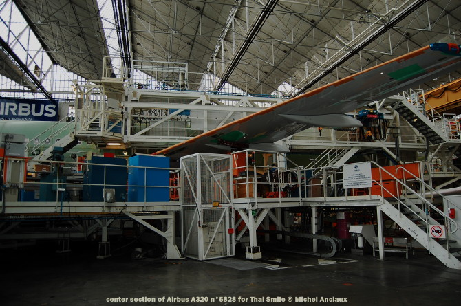 009 center section of Airbus A320 n°5828 for Thai Smile © Michel Anciaux
