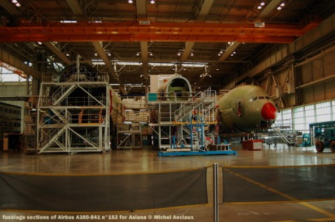 049 fuselage sections of Airbus A380-841 n°152 for Asiana © Michel Anciaux