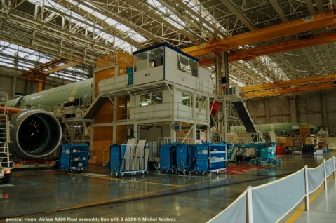 086 general vieuw Airbus A380 final assembly line with 2 A380 © Michel Anciaux