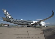 DSC04217 AIRBUS A350-941 F-WWCF Airbus © Luc Barry