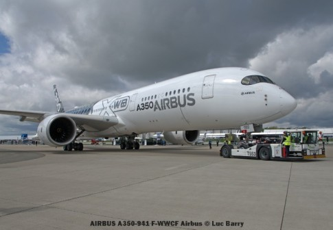 DSC04408 AIRBUS A350-941 F-WWCF Airbus © Luc Barry