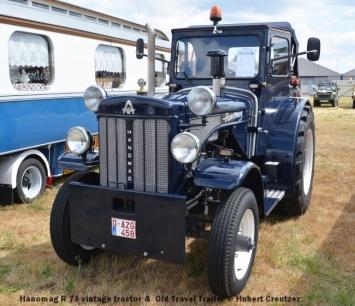 DSC_4643 Hanomag R 75 vintage tractor & Old Travel Trailer © Hubert Creutzer