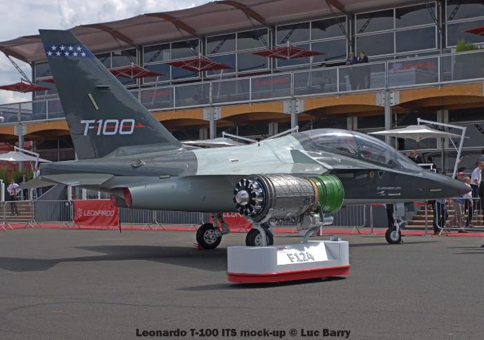 DSC07258 Leonardo T-100 ITS mock-up © Luc Barry