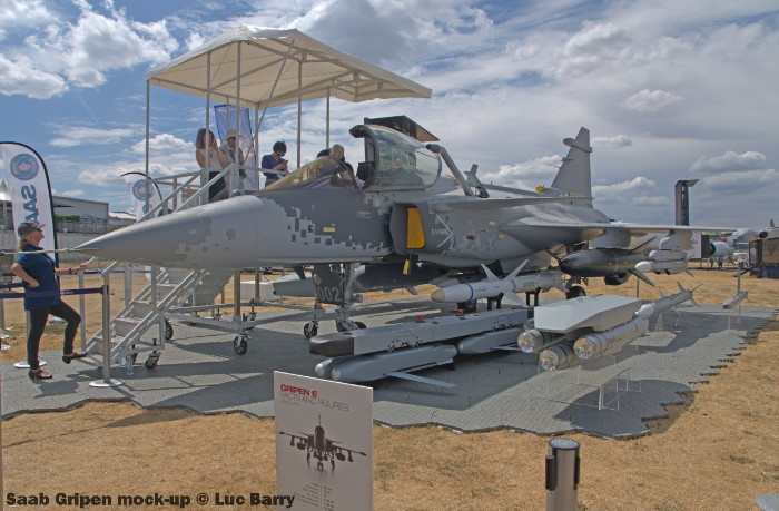 DSC07284 Saab Gripen mock-up © Luc Barry