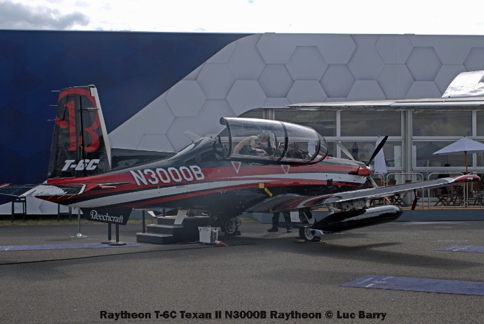 DSC07673 Raytheon T-6C Texan II N3000B Raytheon © Luc Barry