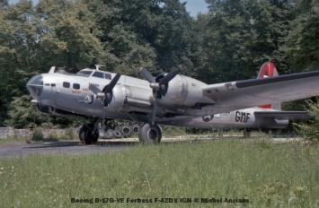 01 Boeing B-17G-VE Fortress F-AZDX IGN © Michel Anciaux