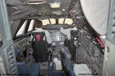 1 Cockpit Concorde Air France in JFK © Hubert Creutzer