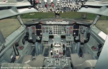 43 Boeing 737-329 OO-SBZ Sobelair © Michel Anciaux