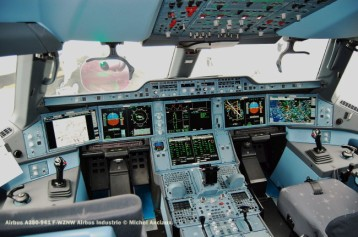 655 Cockpit of Airbus A350-941 F-WZNW Airbus Industrie © Michel Anciaux
