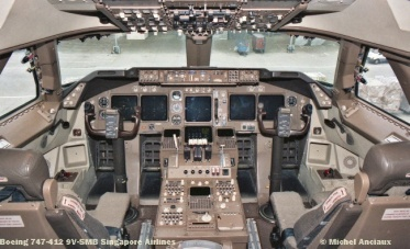 72 Boeing 747-412 9V-SMB Singapore Airlines © Michel Anciaux