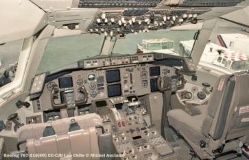 84 Boeing 767-216(ER) CC-CJU Lan Chile © Michel Anciaux