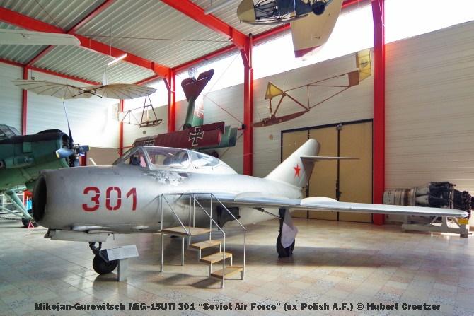 """DSC_6119 Mikojan-Gurewitsch MiG-15UTI 301 """"Soviet Air Force"""" (ex Polish A.F.) © Hubert Creutzer"""