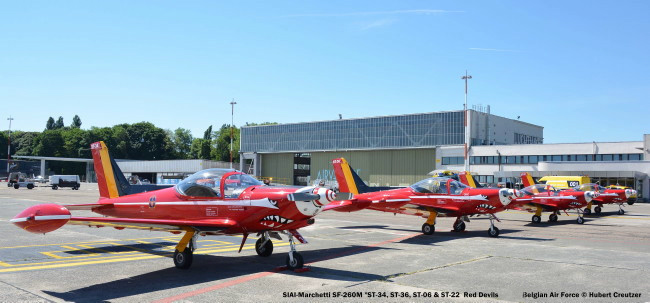 DSC_8084 SIAI-Marchetti SF-260M '_ST-34, ST-36, ST-06, ST-22__ Red Devils colours Belgian Air Force © Hubert Creutzer