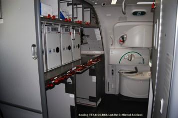 033 Boeing 787-8 CC-BBA LATAM © Michel Anciaux