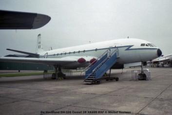 img373 De Havilland DH-106 Comet 2R XK695 RAF © Michel Anciaux