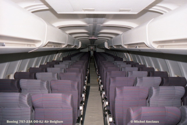 img483 Boeing 757-23A OO-ILI Air Belgium © Michel Anciaux