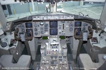 img554 Boeing 767-222 N606UA United Airlines © Michel Anciaux