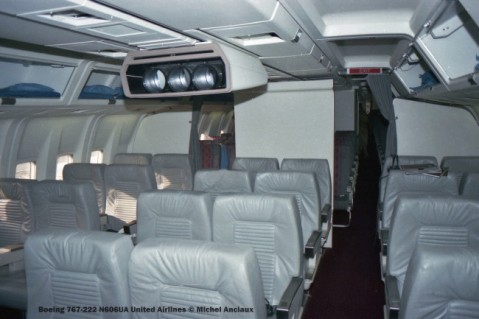 img555 Boeing 767-222 N606UA United Airlines © Michel Anciaux