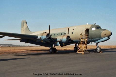 img923 Douglas DC-4 ''6904'' SAAF © Michel Anciaux