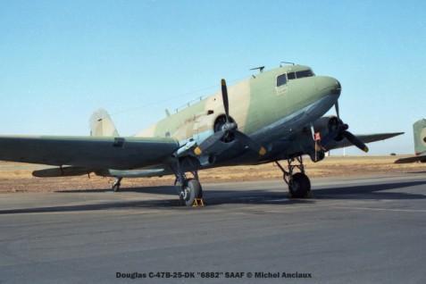 img932 Douglas C-47B-25-DK ''6882'' SAAF © Michel Anciaux