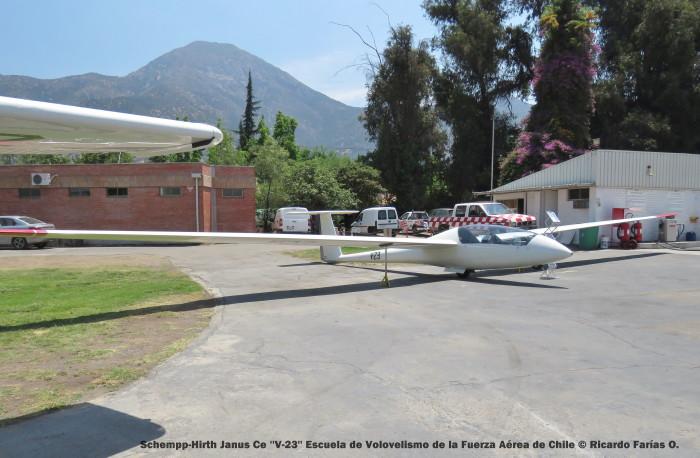 IMG_0343 Schempp-Hirth Janus Ce ''V-23'' Escuela de Volovelismo de la Fuerza Aérea de Chile © Ricardo Farías O.