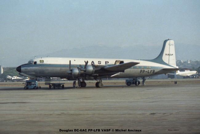028 Douglas DC-6AC PP-LFB VASP © Michel Anciaux