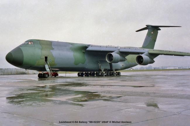 586 Lockheed C-5A Galaxy ''68-0220'' USAF © Michel Anciaux