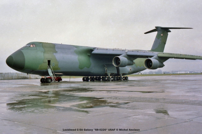 586 Lockheed C-5A Galaxy ''68-0220'' USAF © Michel Anciaux