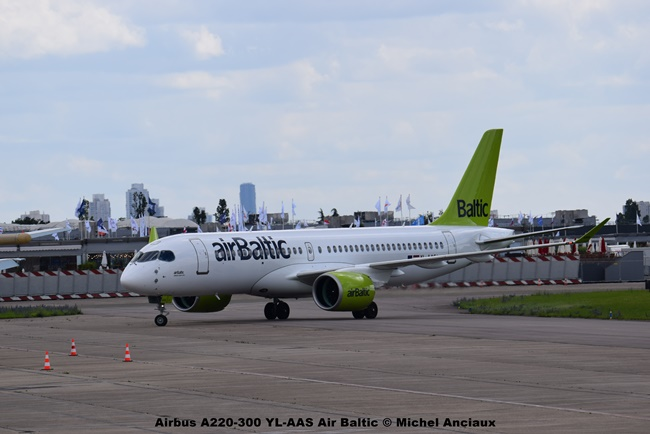 DSC_0518 Airbus A220-300 YL-AAS Air Baltic © Michel Anciaux